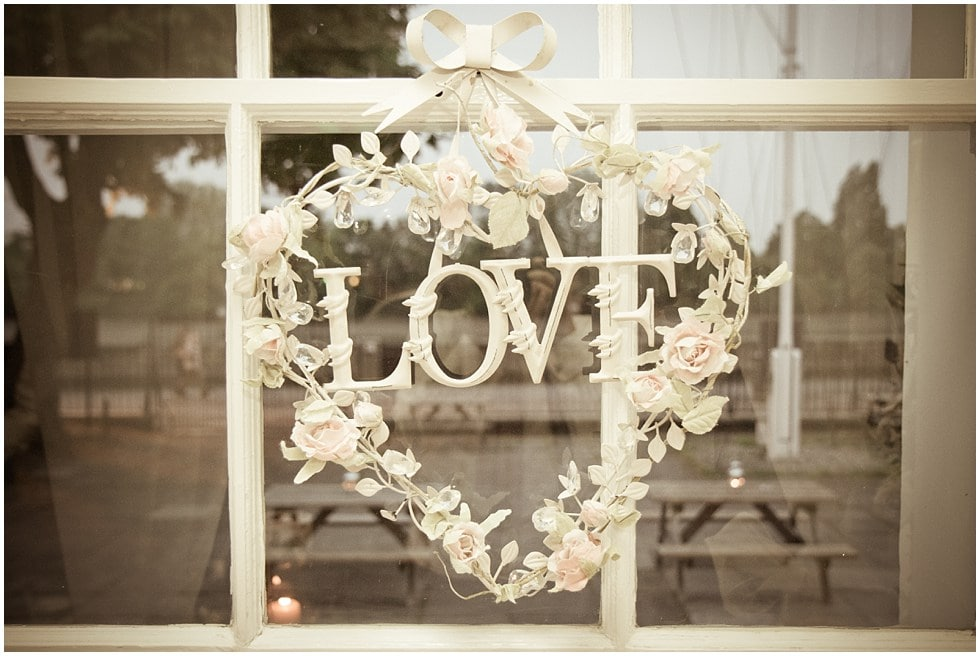 Wire love hanging heart wedding decoration