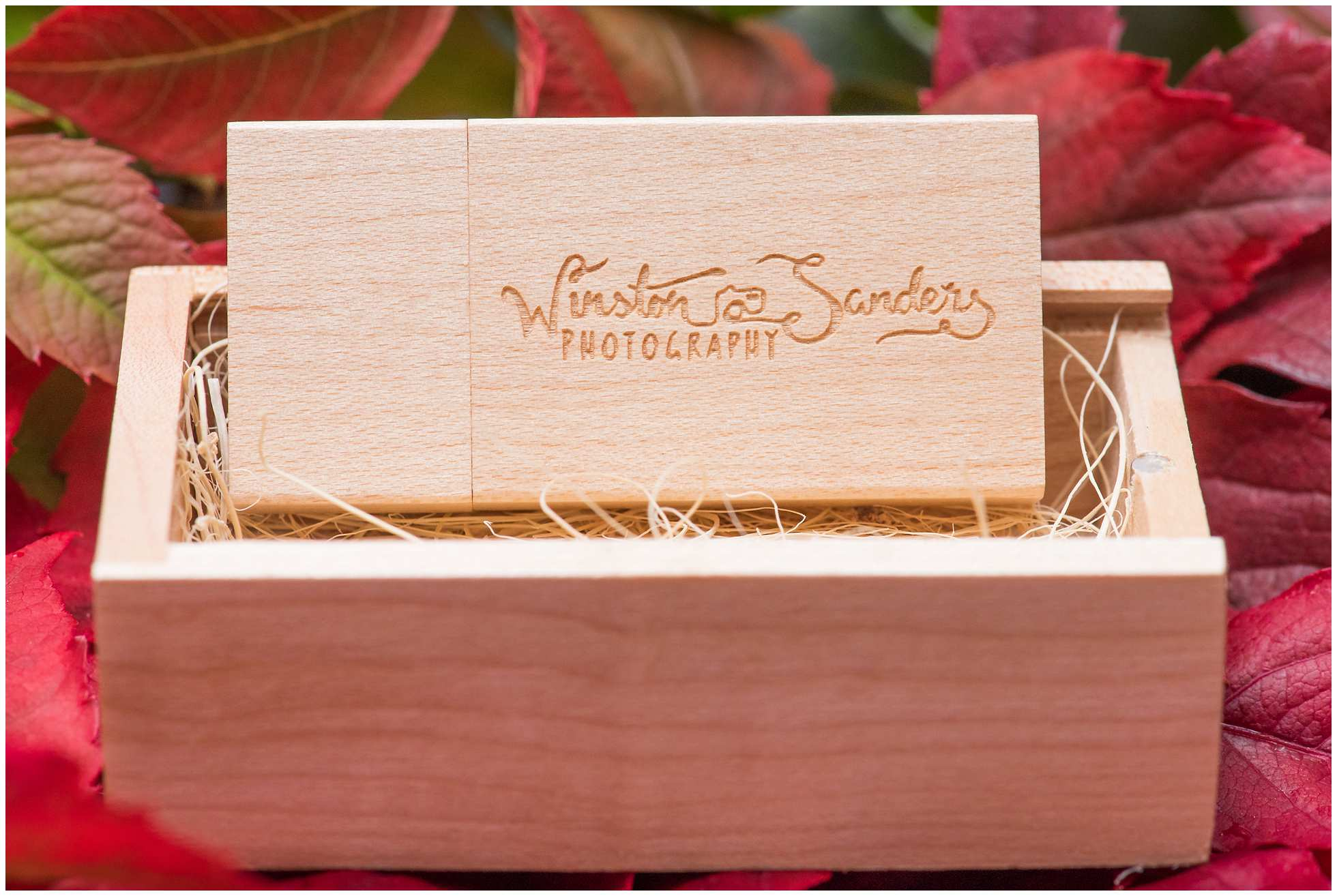 Wooden engraved wedding photography memory flash drive 3