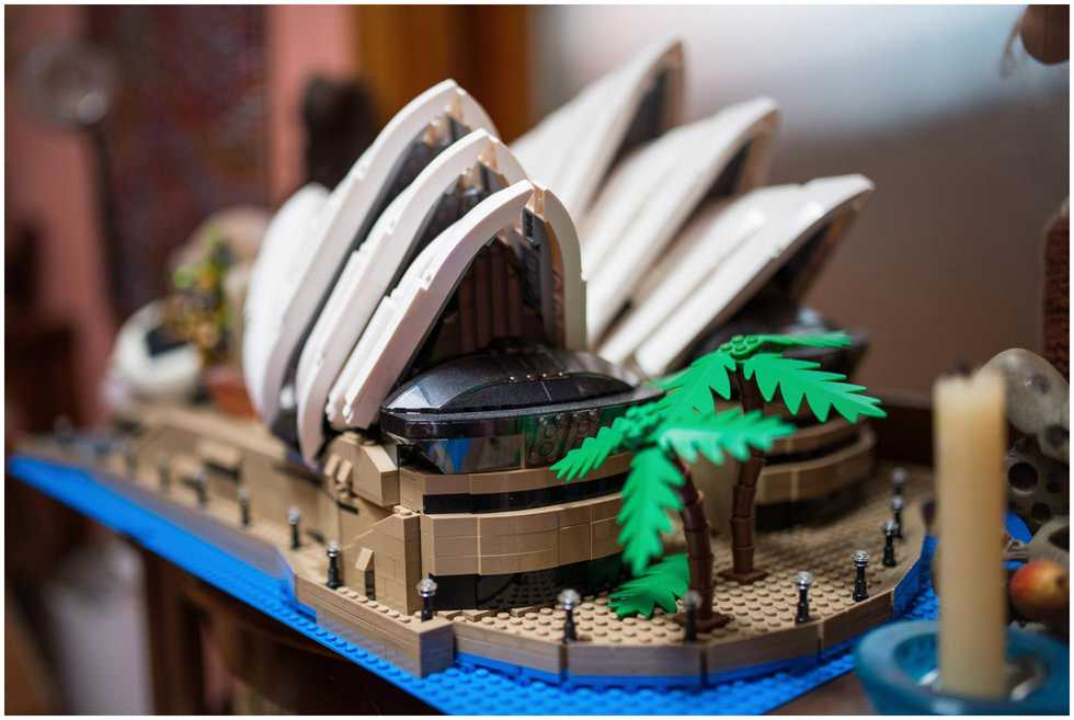 A lego Sydney opera house at the bride
