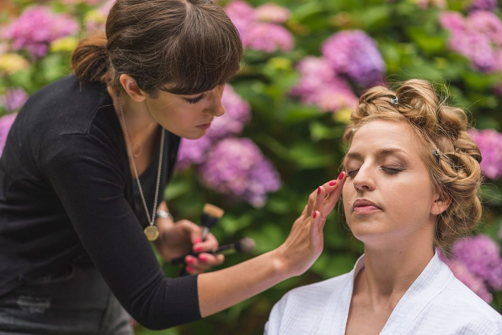 Make up in the gardens of Creeksea