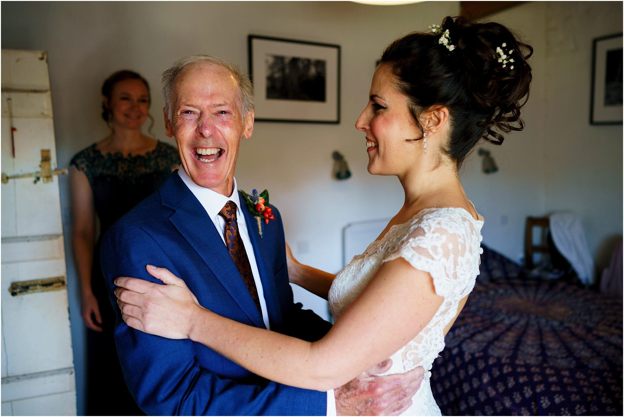 Dad seeing bride for first look