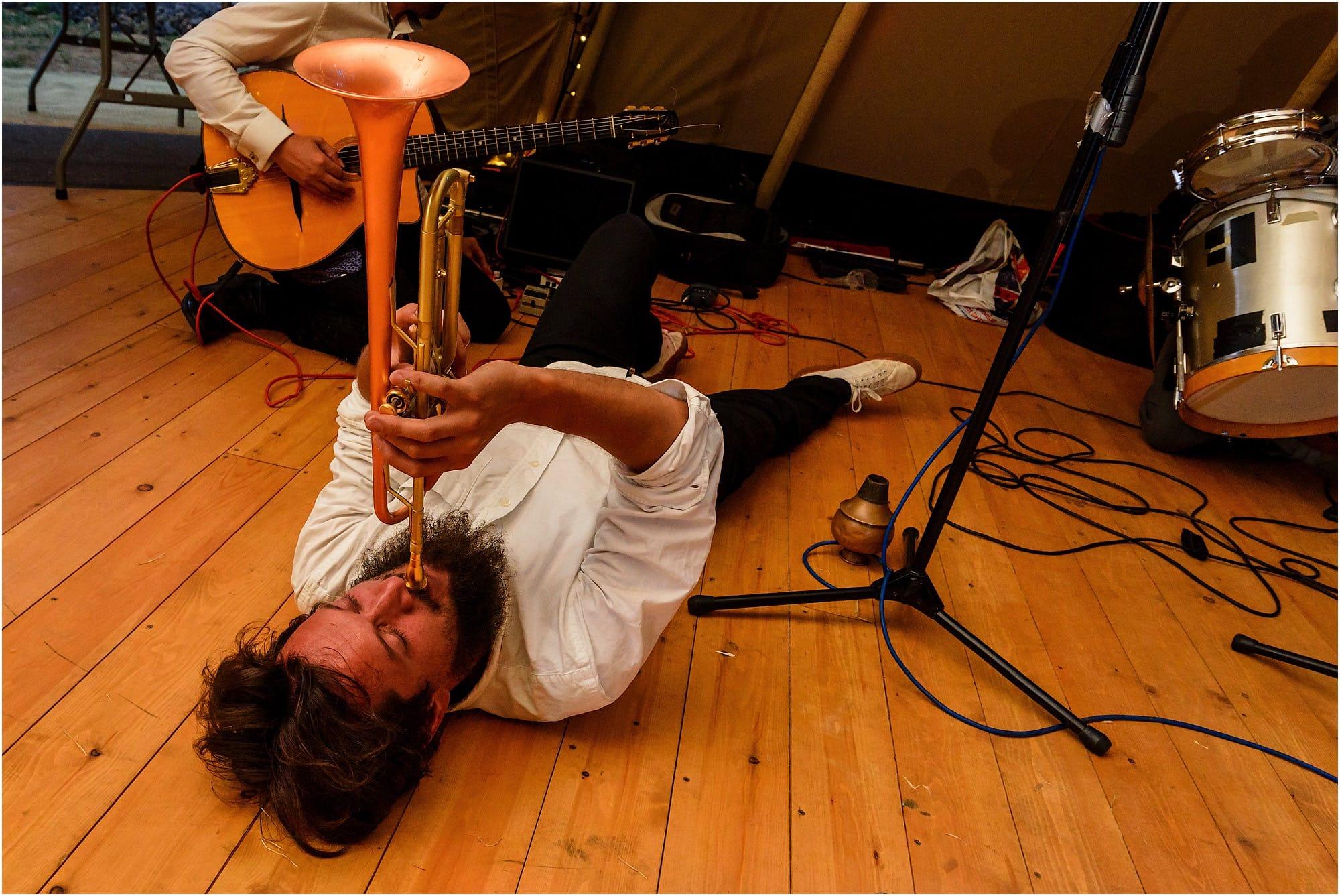 trumpeter on the floor