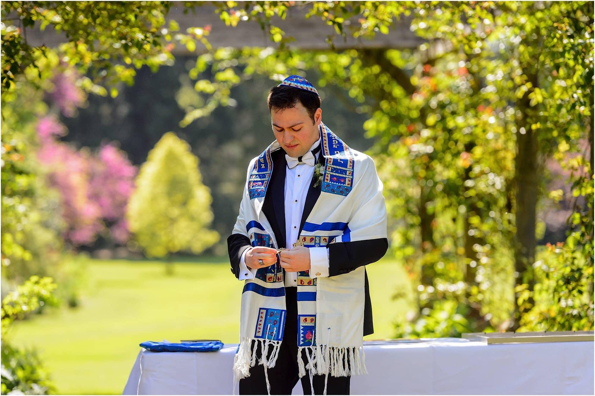 Jewish groom waits