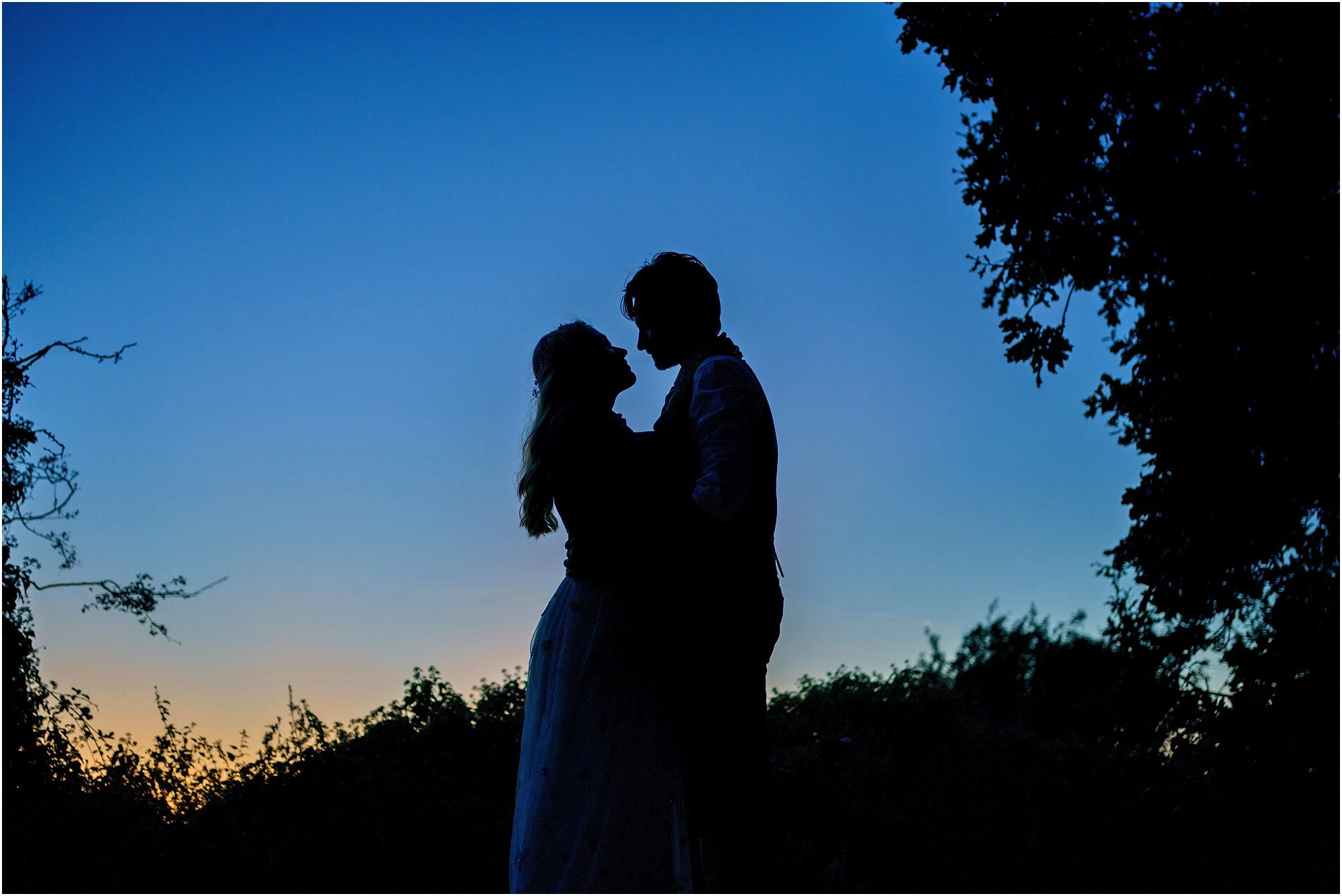 silhouette creative wedding photo